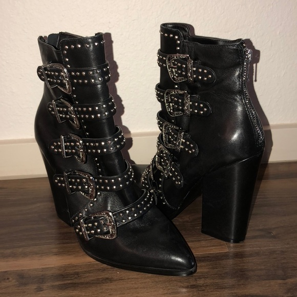 1793258a160 Steve Madden Comet Studded Ankle Boots 7
